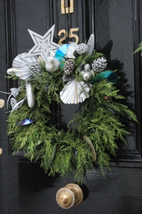 front-door-christmas-wreath