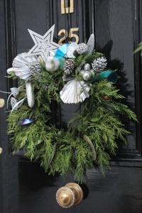 front-door-christmas-wreath