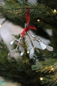 pewter-mistletoe-2